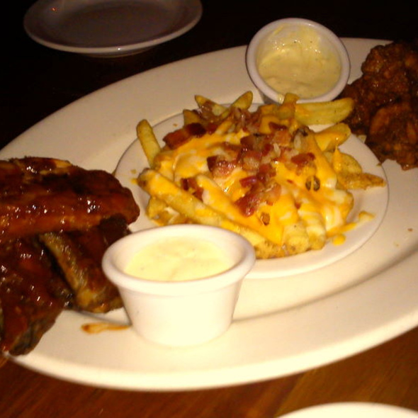 wings, ribs & fries