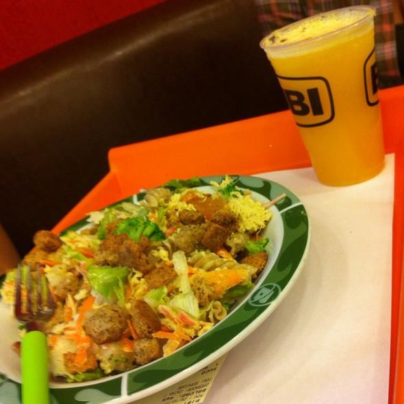 Buffet De Saladas @ Bibi Sucos Shopping Leblon