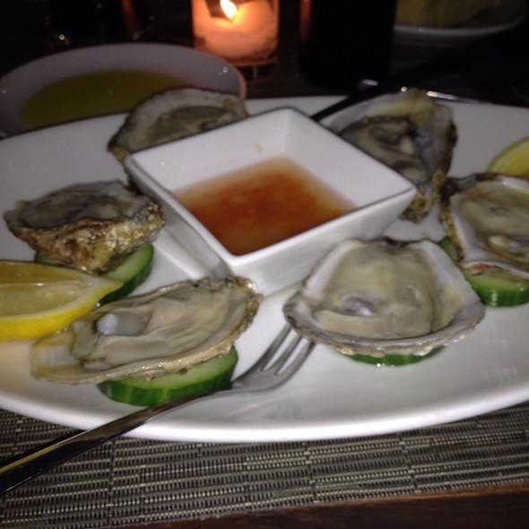 Oysters @ Centro Vinoteca, New York