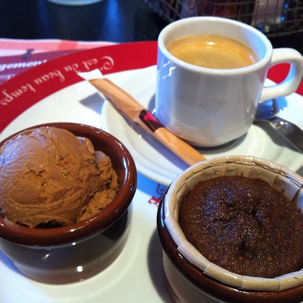 Café Gourmand (Coffee Ice Cream, Coffee Fondant) @ Grill Courtepaille
