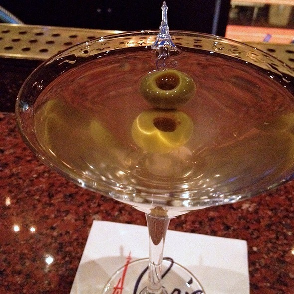 Hendrick's Dirty Martini @ Napolean's Piano Lounge @ Paris Las Vegas