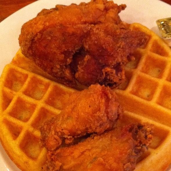 Reverend Al Sharpton Fried @ Amy Ruth's Restaurant