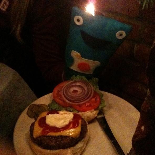 Cheeseburger @ Tessaro's Restaurant