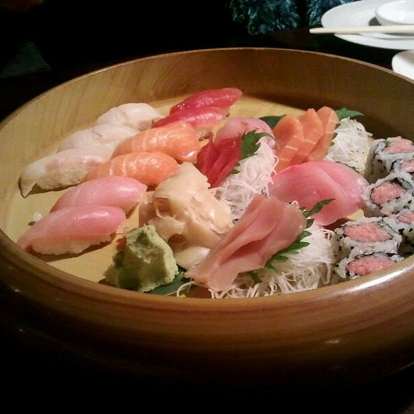 Sushi @ Teikoku Restaurant