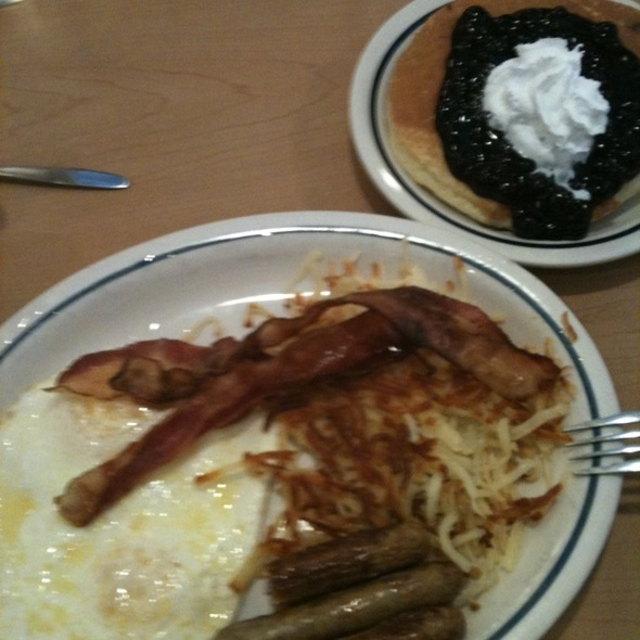 Rutty Fruity Stack And Ulimate @ IHOP Restaurant
