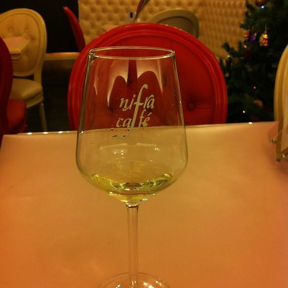 Vino Bianco @ Nifra Caffé