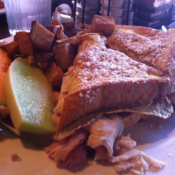 Monte Crisco Breakfast @ Brian's 24