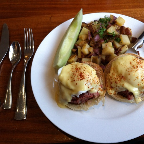 Corned Beef Hash Benedict @ Meli Cafe & Juice Bar