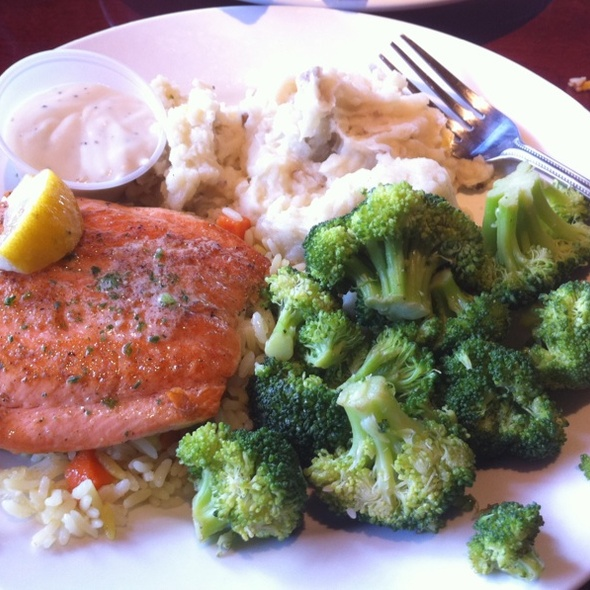 Grilled Salmon @ Cheddar's Casual Cafe