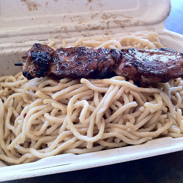Garlic Noodles With Lemongrass Chicken Skewer @ An The Go Food Truck
