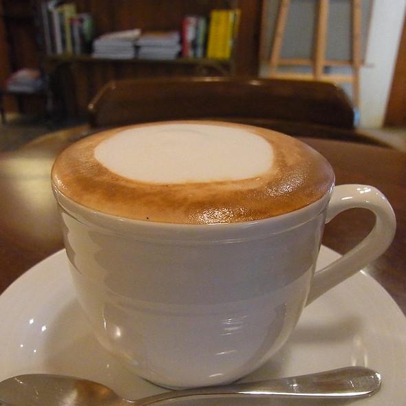 Cappucino @ 卡瓦利義大利咖啡館