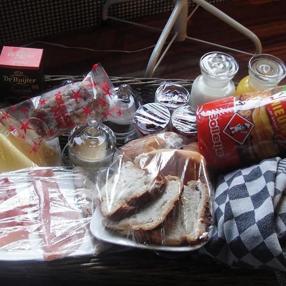 Ontbijtmand B&B Binneninn @ Binneninn Bed and Breakfast