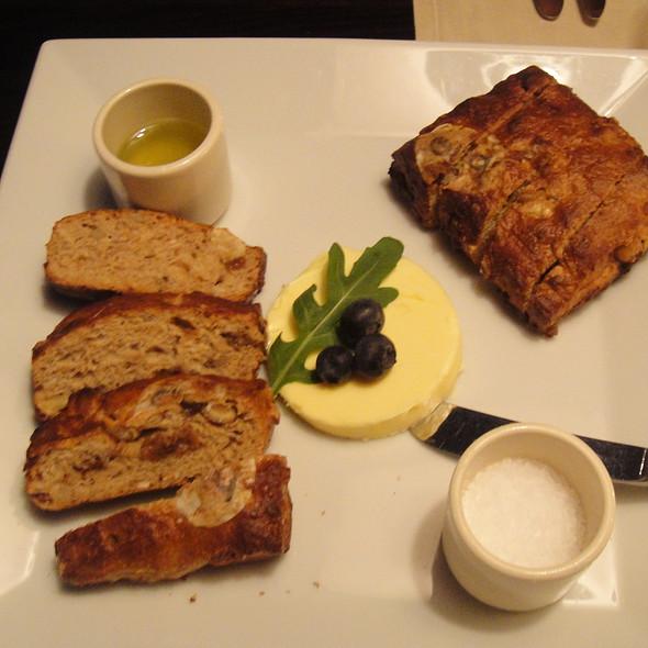 Notenbrood @ Visrestaurant Rede van Nes