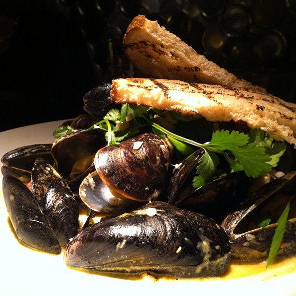 Steamed PEI Mussels @ Root Down