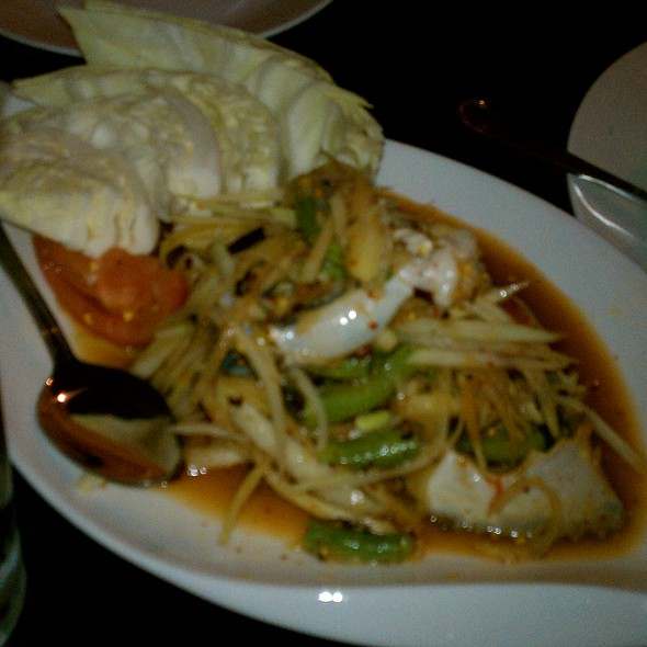 Green Papaya Salad With Salted Blue Crab @ Lers Ros Thai Noodles