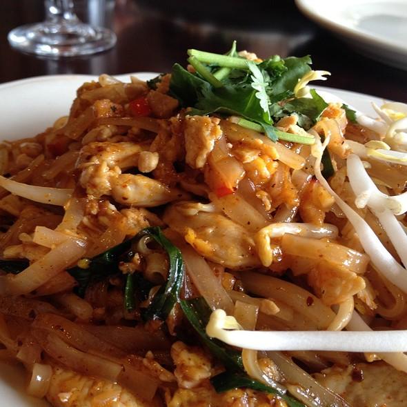 Crystal thai restaurant menu arlington va foodspotting for Arlington thai cuisine