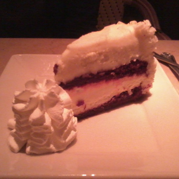 Ultimate Red Velvet Cake Cheesecake @ The Cheesecake Factory