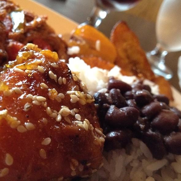 lunch buffet - La Fonda Latino Grill, Chicago, IL