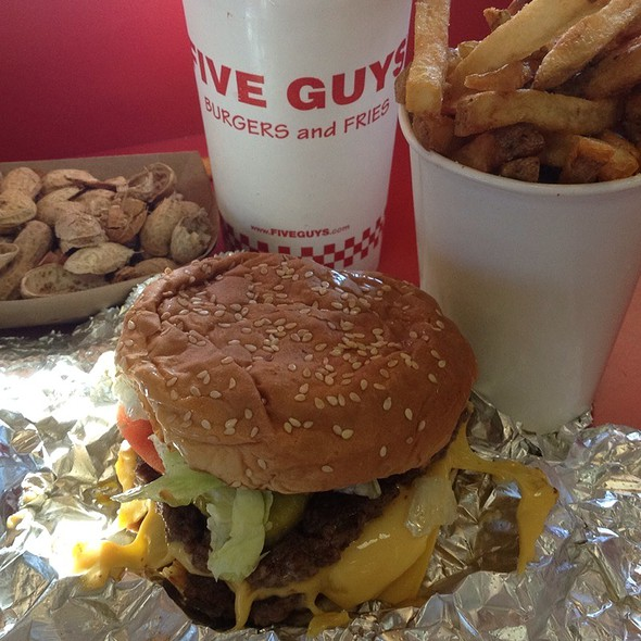 Cheeseburger @ Five Guys Burgers & Fries