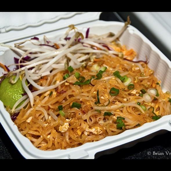Phad Thai Chicken @ Tup Tim Thai