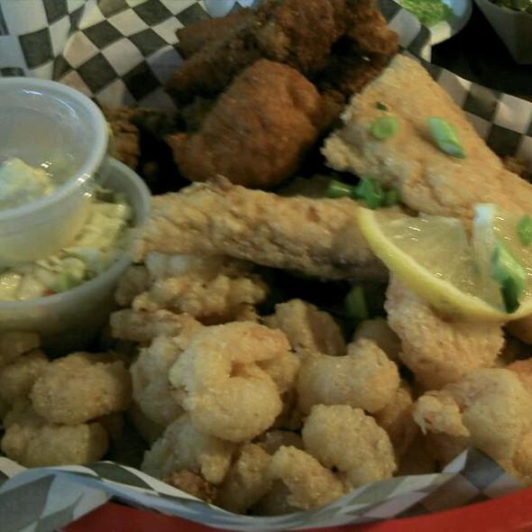 Calabash Seafood Basket @ Kiss My Grits