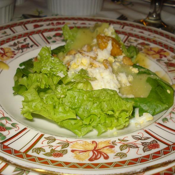 Sonya's Green Mixed Salad with Sidings @ Sonya's Garden