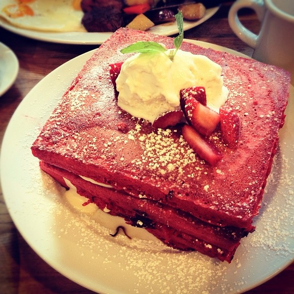 Red Velvet Pancakes @ Green Eggs Cafe
