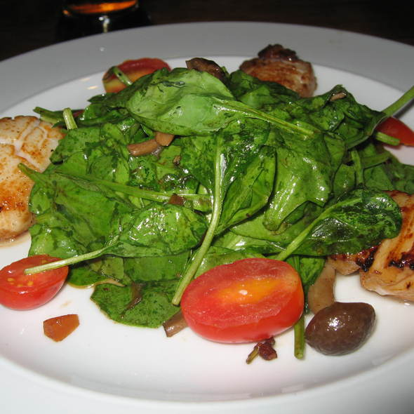 Warm spinach salad with seared scallops - The Beach House, West Vancouver, BC