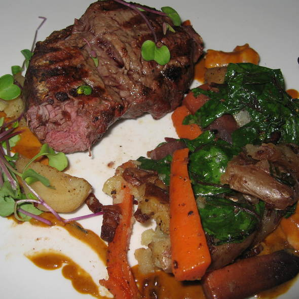 Beef tenderloin - Summerhill Pyramid Winery - Sunset Bistro, Kelowna, BC