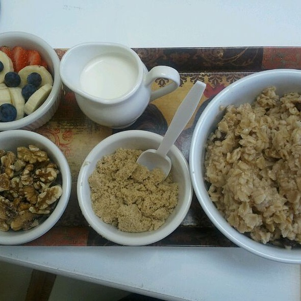 Oatmeal @ Connie's Kitchen
