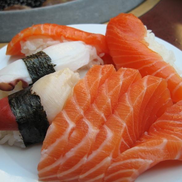 Salmon sashimi, sake nigiri, toro nigiri, & hokkigai nigiri @ Shabusen Yakiniku House Ltd