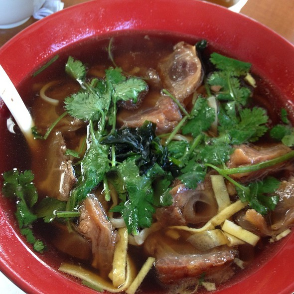 Beef Tendon Soup With Noodles  @ 101 Noodle Express