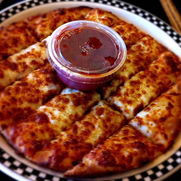 Garlic Cheese Stix @ Magpies Gourmet Pizza