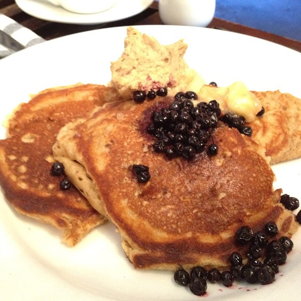 Whole Wheat Pancakes @ Axis Cafe