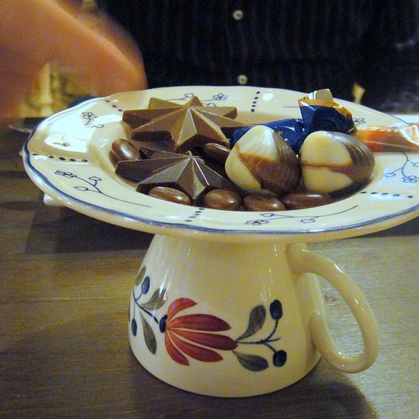 """Koffie Chocolaatjes @ Restaurant """"StrAnders"""""""