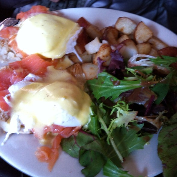 Smoked Salmon Eggs Benedict (wknds only) @ Cornerstone Cafe