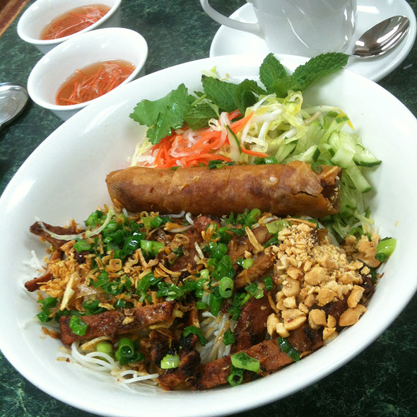 Rice vermicelli with grilled pork and egg roll @ Tran Dinh