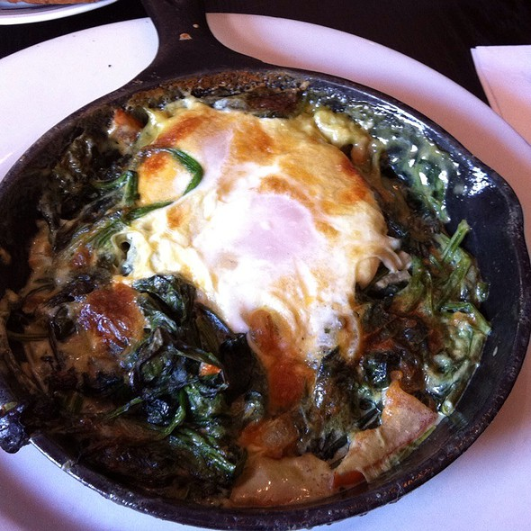 Baked Eggs With Creamy Spinich @ Cornerstone Cafe