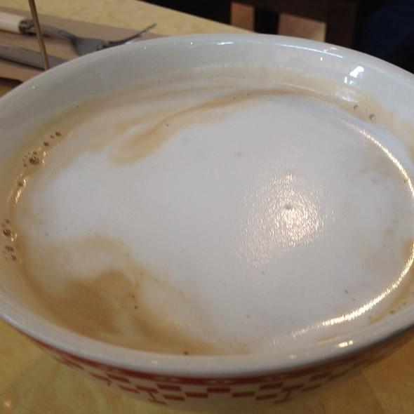 Cafe au lait @ La Boulange De Fillmore