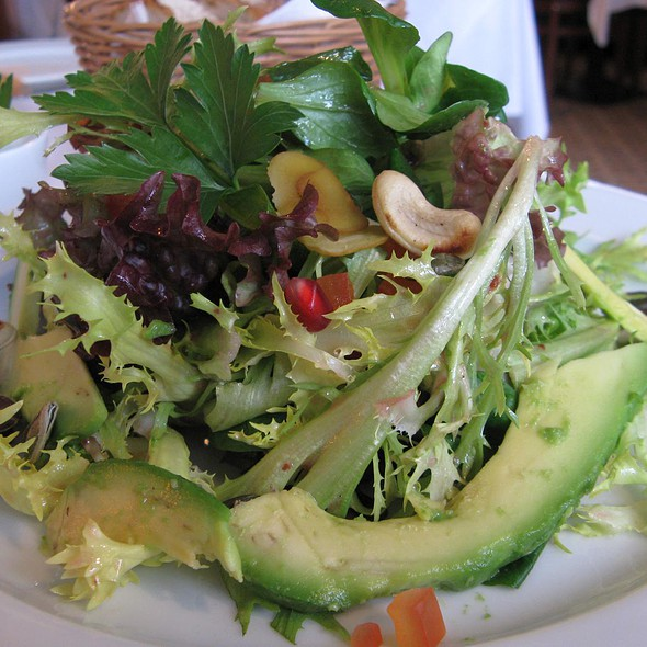 Leaf Salad with Avocado and Nuts @ Restaurant Rexrodt