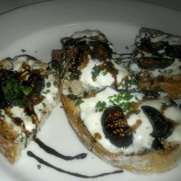 Bruschetta Sorprensa - Rocco's Italian Grille, Winter Park, FL