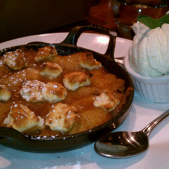 Apple Cobbler @ Prime Cut Cafe & Wine Bar