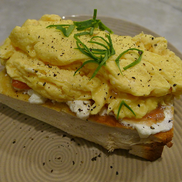 Scrambled Eggs on Smoked Salmon, Ricotta and Toasted Brioche @ Circa Espresso