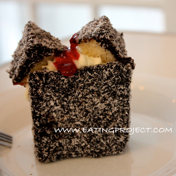 Lamington with cream @ Tourtière Australienne