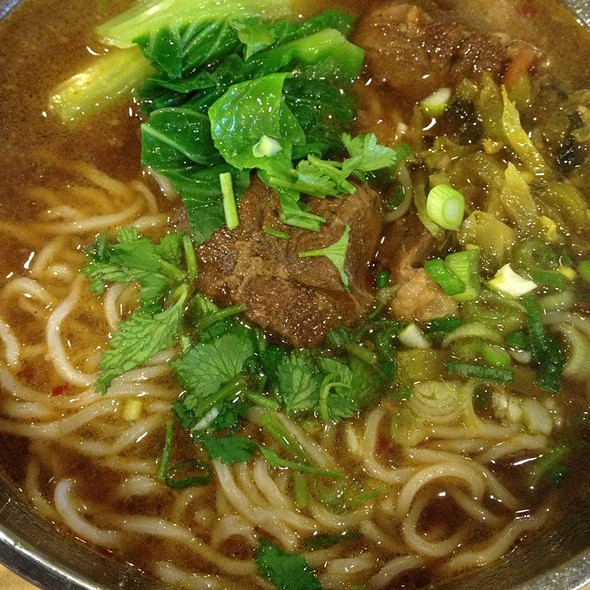 Beef noodle soup @ Liang's Kitchen