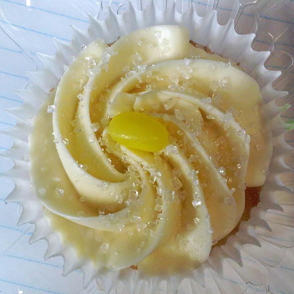 Lemon Cupcake @ Vanessa's Cupcakery