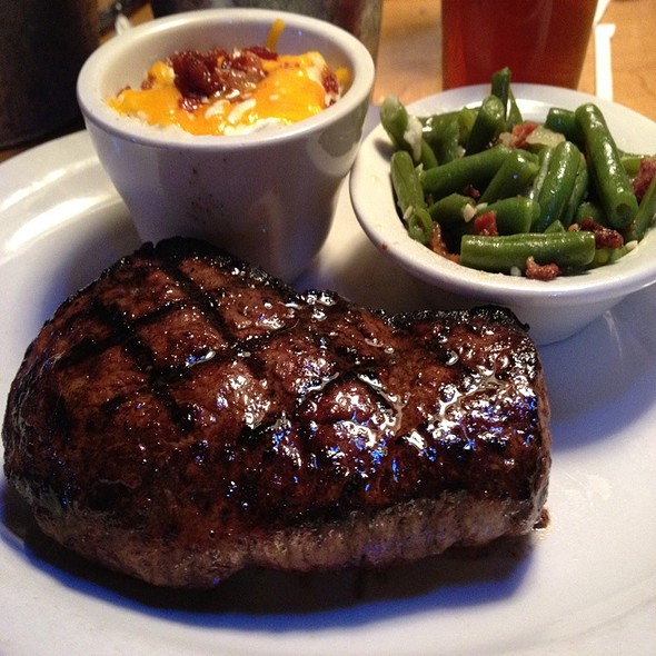 Sirloin Steak @ Texas Roadhouse