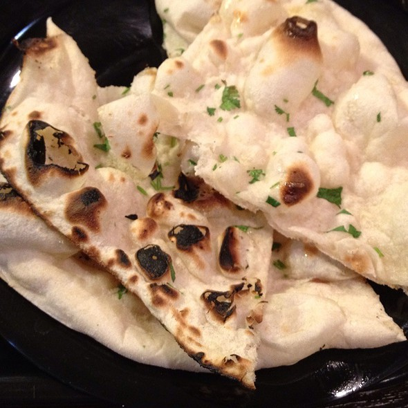 garlic naan @ Mati's Indian Express