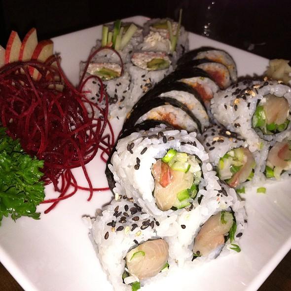 Spicy Tuna Roll @ Ttowa