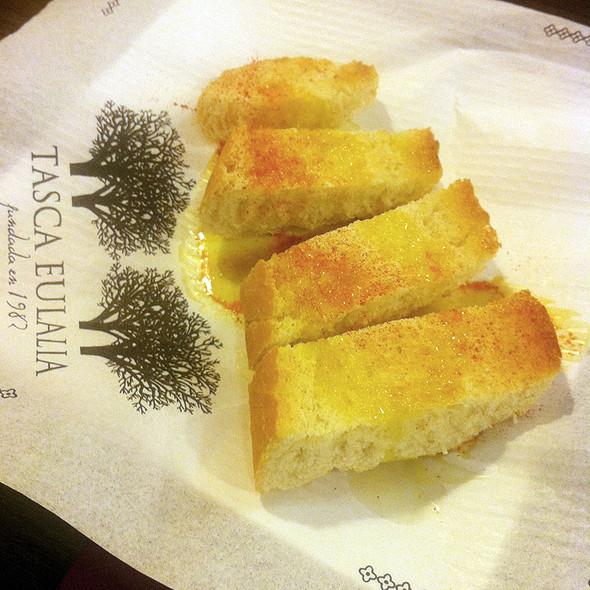 Warm Bread @ TASCA EULALIA